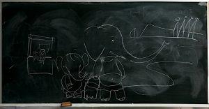 elefants a la pissarra